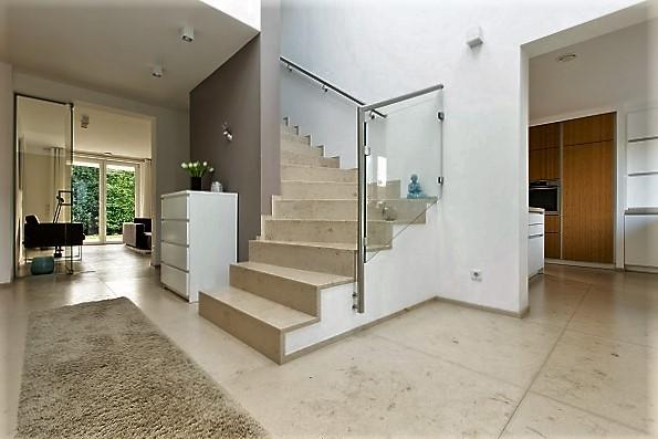 Böden und Treppen aus Dietfurter Kalkstein